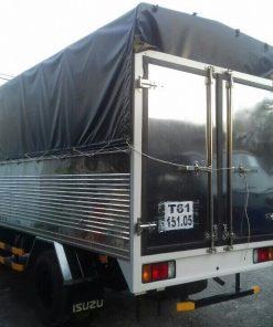 Phía sau xe tải ISUZU QKR QKR55F MB Mui bạt