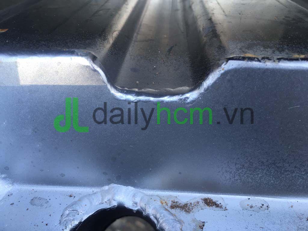 Sàn Inox dập sóng Xe tải Hyundai HD99 thùng kín Inox