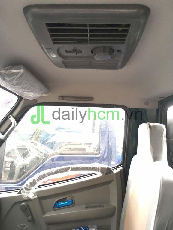 Nội thất cửa sổ trời xe ben TMT 2T4 máy Hyundai