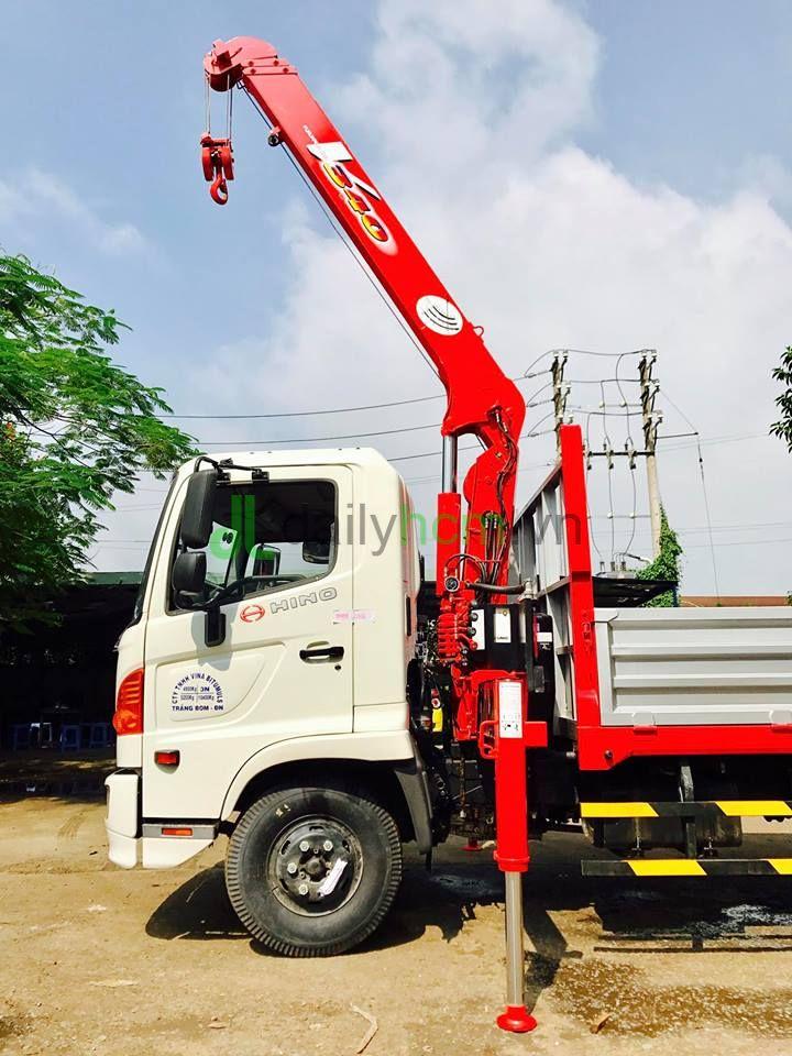 DailySG.vn xe tải cẩu Hino FC FC9JLSW cẩu UNIC 340 3 tấn