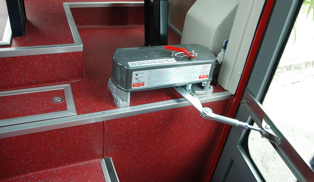 Hộp motor đóng mở cửa xe khách Samco 29 chỗ 34 chỗ ngồi