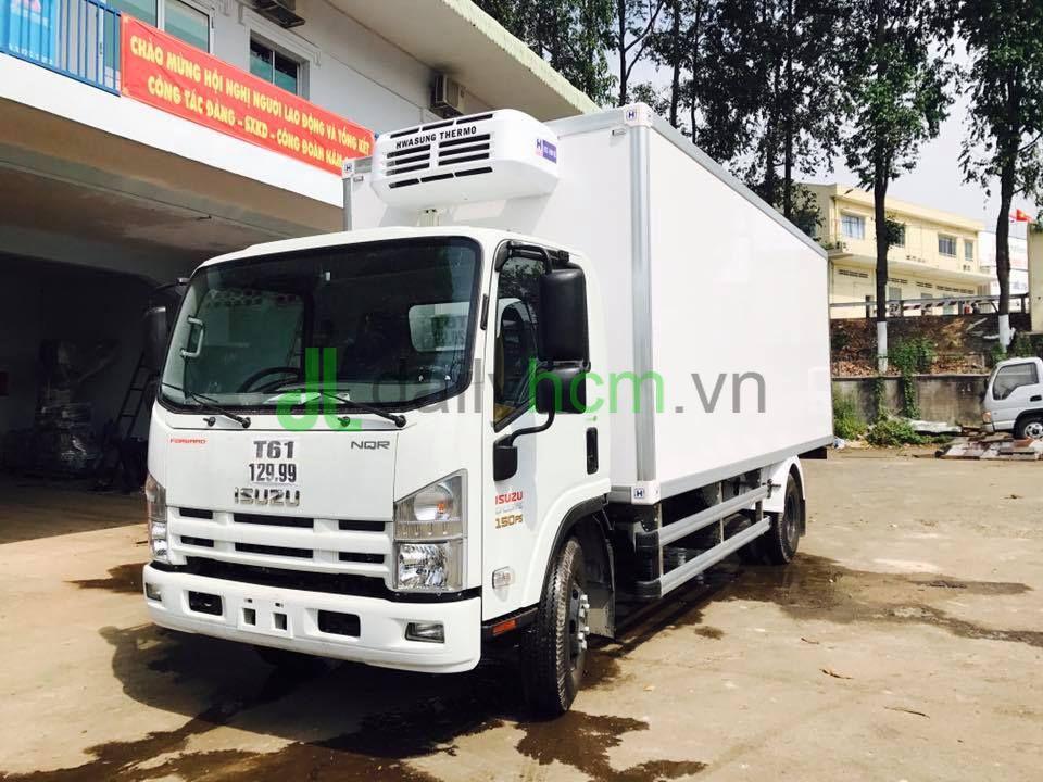 DailySG.vn tổng thể Xe tải ISUZU NQR 5,5 tấn thùng 5,8 mét đông lạnh