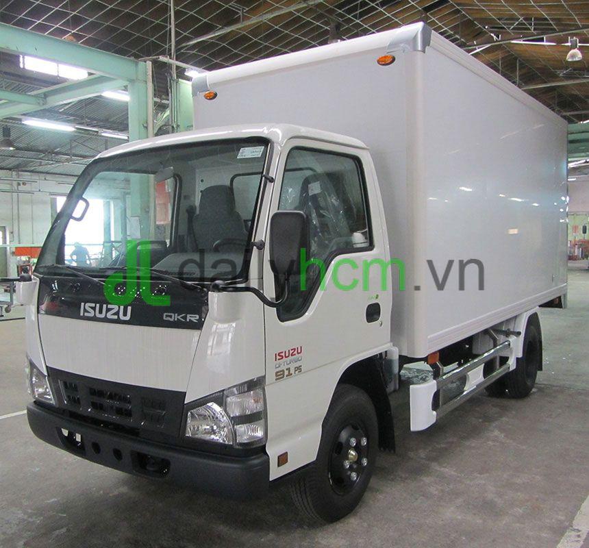 Xe tải ISUZU QKR55H thùng kín bảo ôn