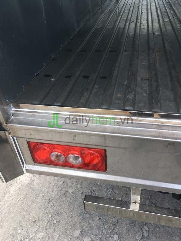 DailySG.vn xe tai do thanh iz49 tk thung kin dong co Isuzu 2t4