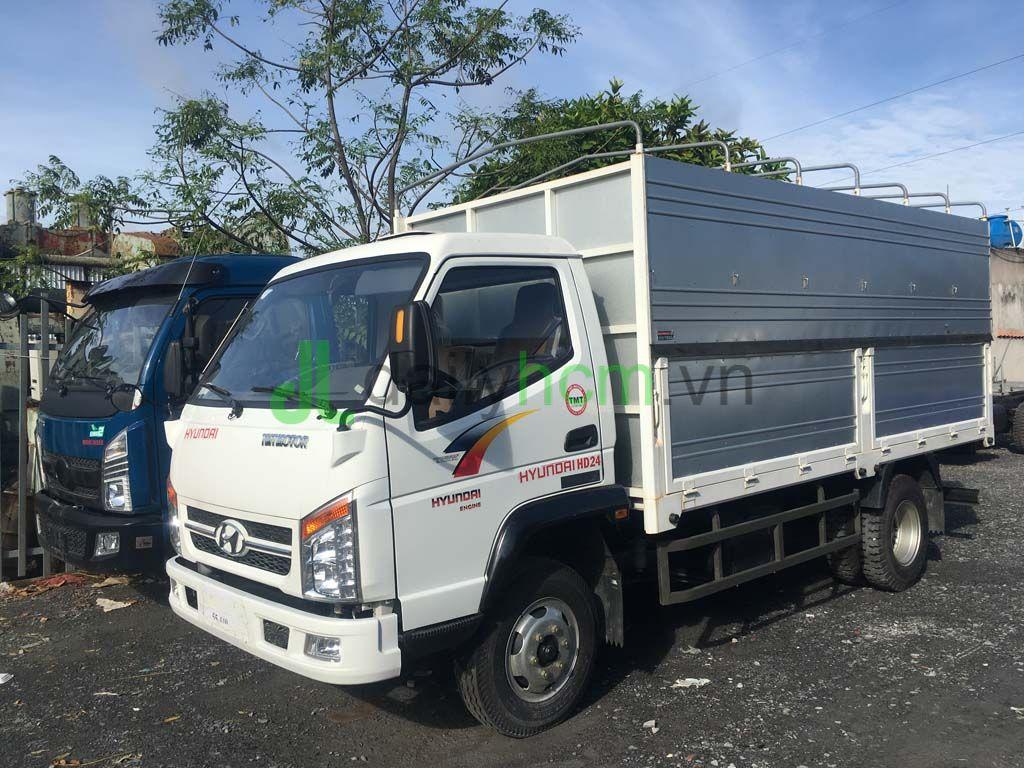 DailySG.vn xe tải Hyundai TMT Cửu Long 2T4 vào thành phố ban ngày