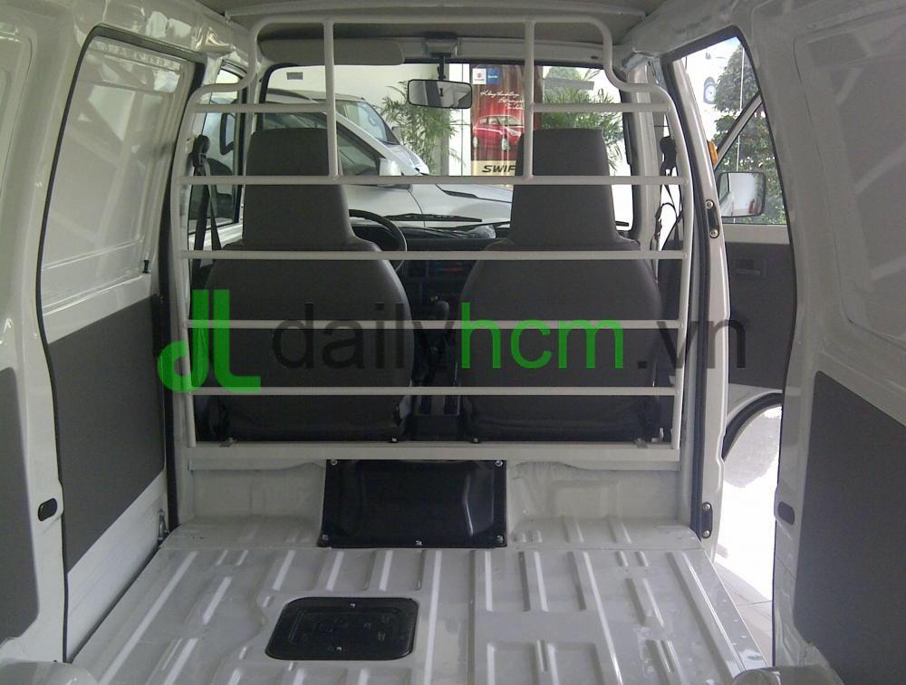 Bên trong thùng hàng Xe tải Van SUZUKI Carry VAN - BLIN VAN