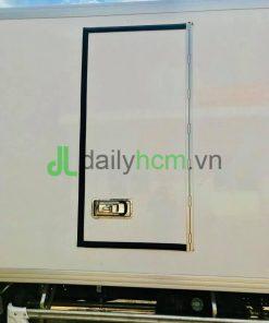 Cửa hông Composite xe Isuzu 5 tấn thùng đông lạnh