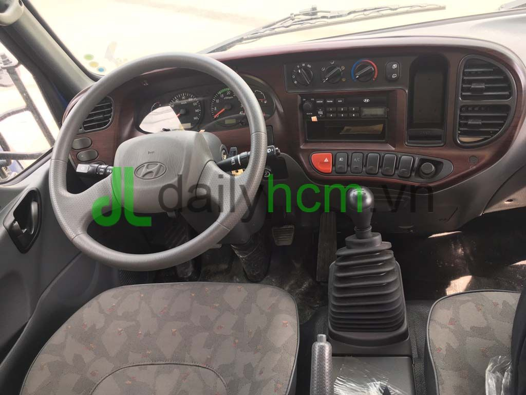 Tổng thể nội thất tap-lô xe tải Hyundai