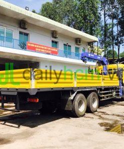 Thùng xe tải Dongfeng 3 chân 6x4 gắn cẩu 5 tấn