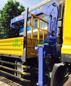 Cẩu Tadano xe tải Dongfeng 3 chân 6x4 gắn cẩu 5 tấn