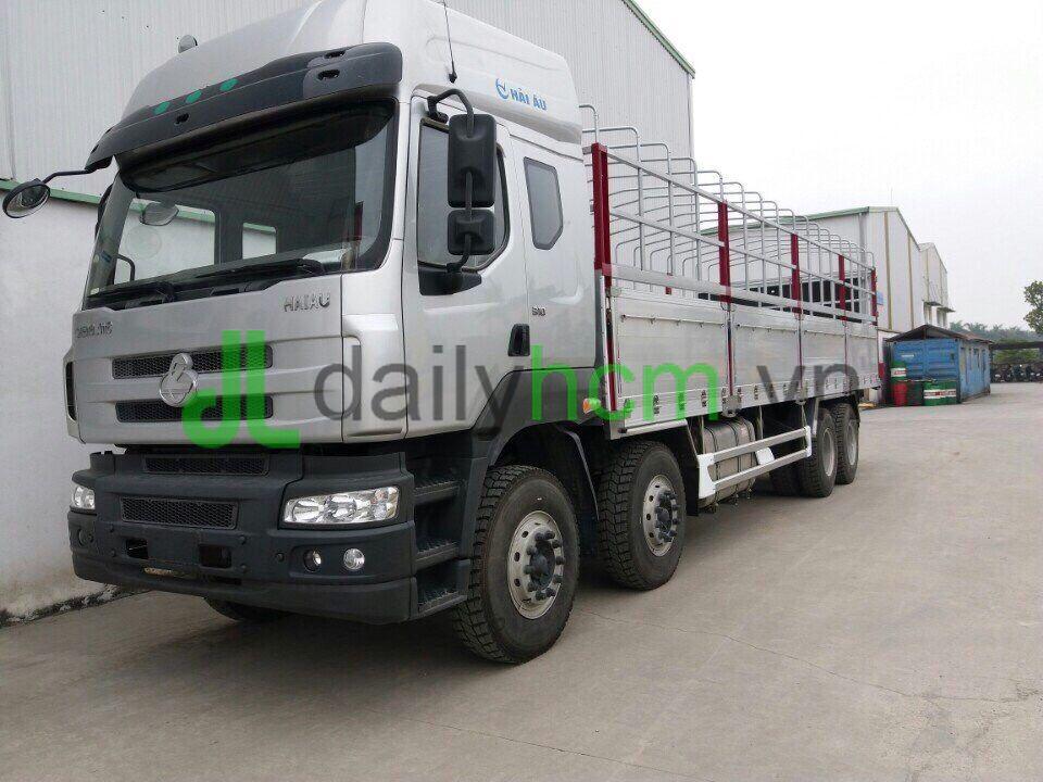 Xe tải Chenglong 4 chân 17T9 thùng bửng nhôm