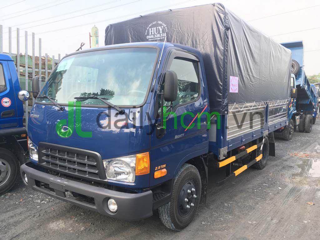 Tổng thể Xe tải Hyundai HD65 thùng mui bạt