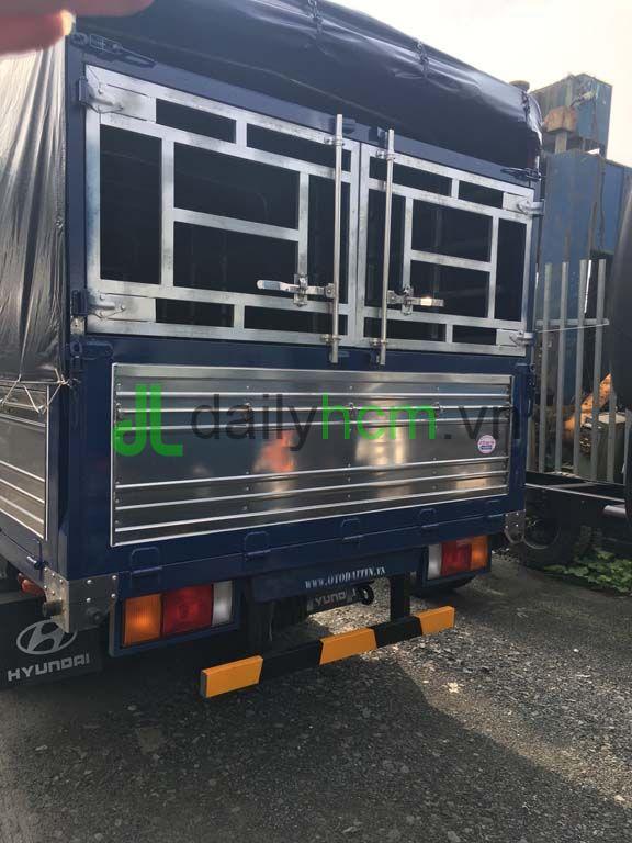 Thùng Xe tải Hyundai HD65 thùng mui bạt
