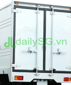 Phía sau thùng Xe tải 1T TATA máy dầu
