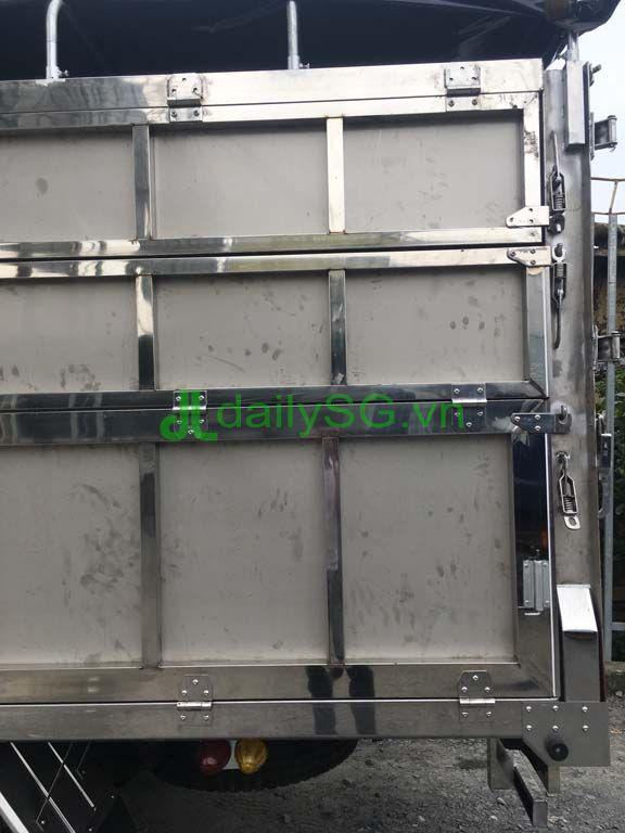 Chi tiết khung thùng inox xe tải 8 tấn thùng mui bạt Inox chở gạch