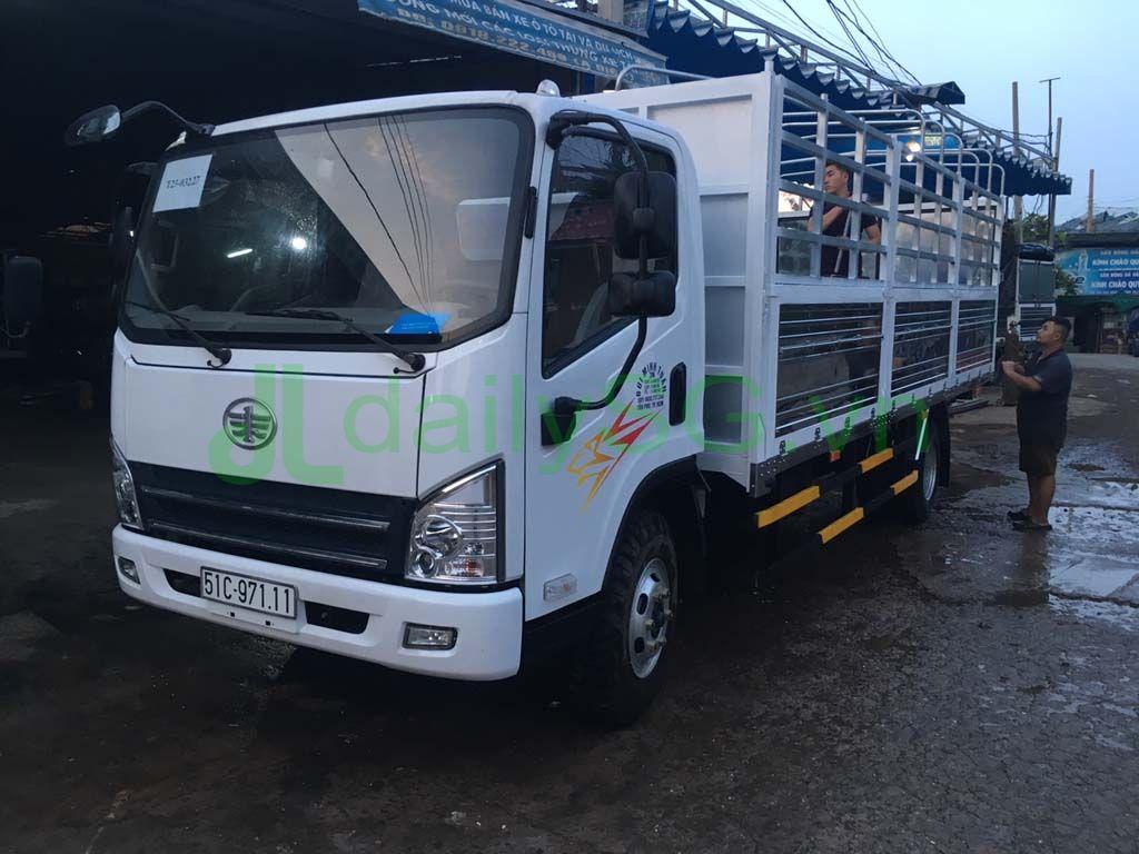 Tổng quan Xe tải Faw 8 tấn thùng mui bạt động cơ Hyundai D4DB