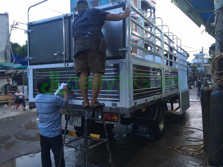 Thùng Xe tải Faw 8 tấn thùng mui bạt động cơ Hyundai D4DB