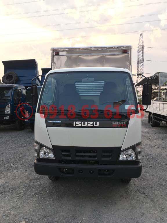 Xe tải isuzu thùng kín euro 4 QKR77HE4 góc nhìn phía trước xe