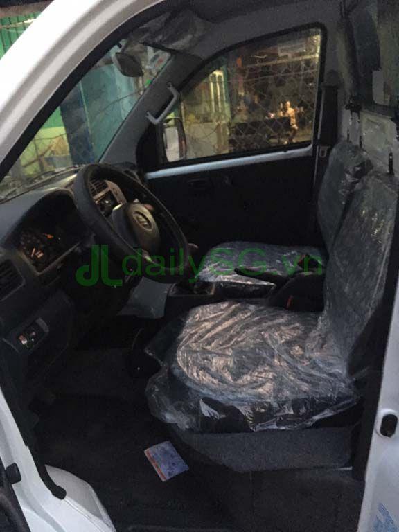 Bên trong cabin Xe tải Suzuki Carry Pro thùng kín Inox 750kg
