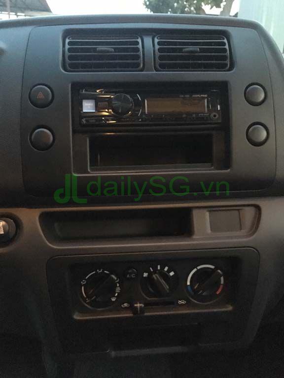 Hệ thống giải trí Radio, máy lạnh Xe tải Suzuki Carry Pro thùng kín Inox 750kg