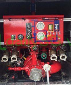 Hệ thống máy bơm pccc chữa cháy trên Xe PCCC chữa cháy Hino FG FGJJSB 6 khối bao gồm 5 khối nước và 1 khối bọt chữa cháy
