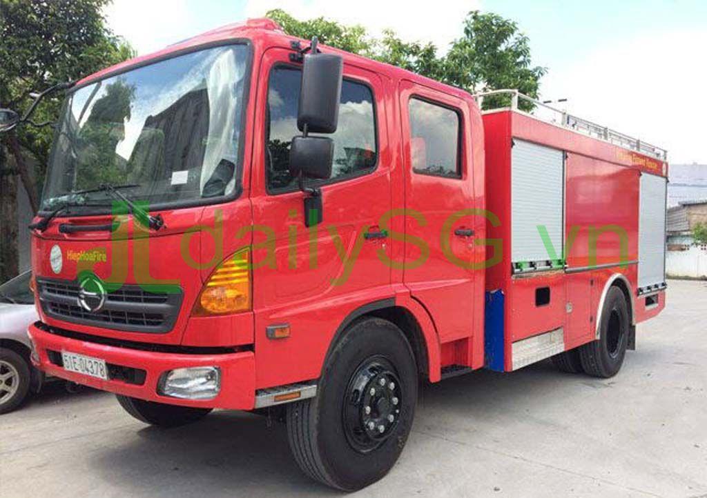tong the Xe PCCC chữa cháy Hino FG FGJJSB 6 khối bao gồm 5 khối nước và 1 khối bọt chữa cháy