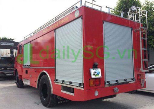 Xe PCCC chữa cháy Hino FG FGJJSB 6 khối bao gồm 5 khối nước và 1 khối bọt chữa cháy