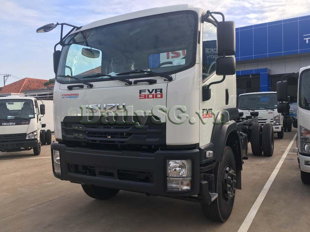Mặt trước cabin Xe tải Isuzu 8 tấn FVR Euro 4 FVR 900 thùng dài xe chính hãng Isuzu Vietnam