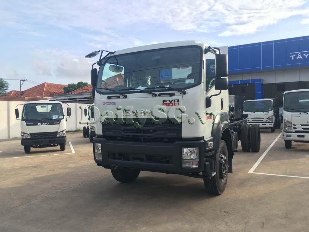 Tổng thể cabin Xe tải Isuzu 8 tấn FVR Euro 4 FVR 900 thùng dài xe chính hãng Isuzu Vietnam