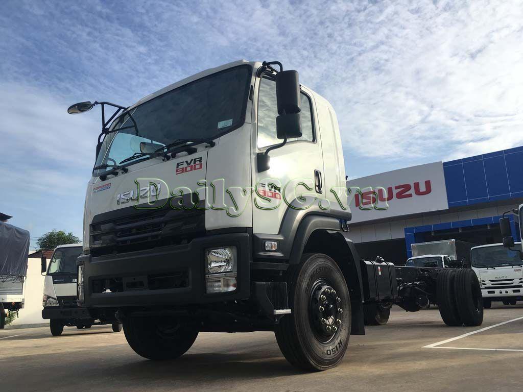 Toàn bộ cabin Xe tải Isuzu 8 tấn FVR Euro 4 FVR 900 thùng dài xe chính hãng Isuzu Vietnam