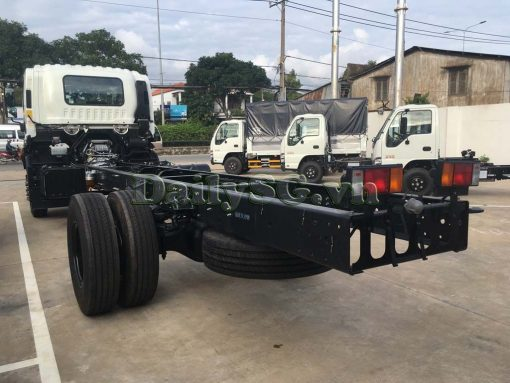 Phía sau Xe tải Isuzu 8 tấn FVR Euro 4 FVR 900 thùng dài xe chính hãng Isuzu Vietnam