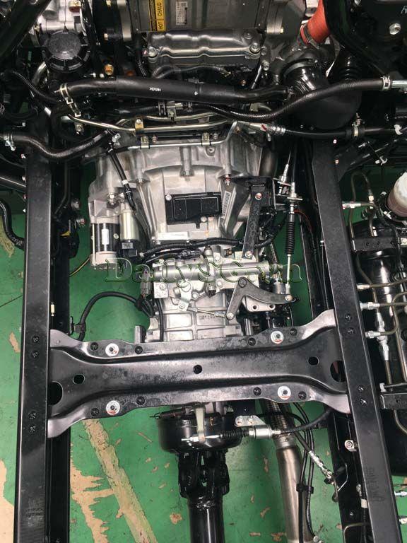 Hộp số Xe tải Isuzu FRR Euro 4 6t2 thùng kín inox nhà máy dài 6m6