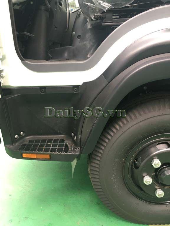 Bậc lên xuống Xe tải Isuzu FRR Euro 4 6t2 thùng kín inox nhà máy dài 6m6