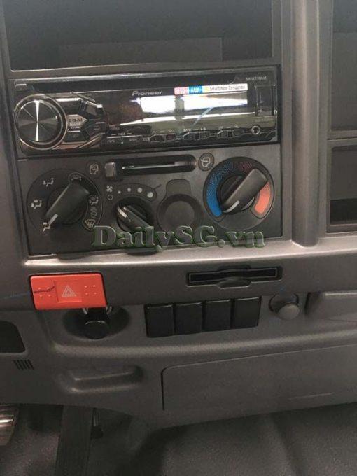 Hệ thống giải trí và điều kiển Xe tải Isuzu FRR Euro 4 6t2 thùng kín inox nhà máy dài 6m6