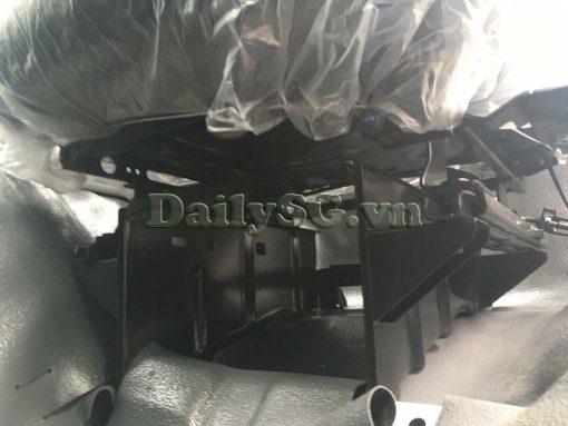 Chân ghế tài xe tải Isuzu FRR Euro 4 6t2 thùng kín inox nhà máy dài 6m6