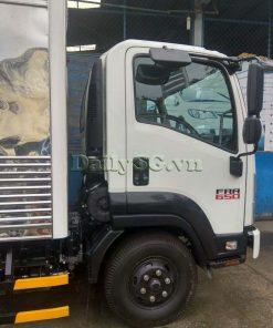 bên phụ Xe tải Isuzu FRR Euro 4 6t2 thùng kín inox nhà máy dài 6m6