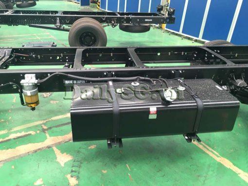 Bình dầu 100 lít Xe tải Isuzu FRR Euro 4 6t2 thùng kín inox nhà máy dài 6m6